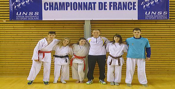De gauche à droite : Léo AFFOLTER-Estelle STEHLY-Eléonore NICOLET-Stéphane BARBEAUX-Laurie CATTENOZ- Hugo BOUGEROL