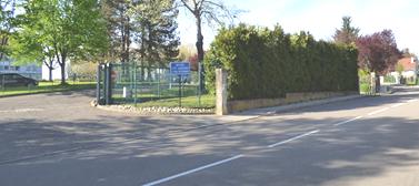 acces parking du personnel du lycee pergaud